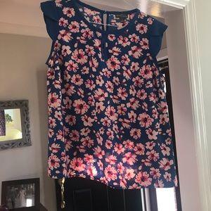 Women's flutter sleeve blouse
